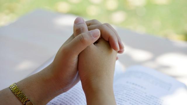 Cristãos estão rezando