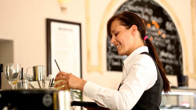Cristãos trabalhando no restaurante
